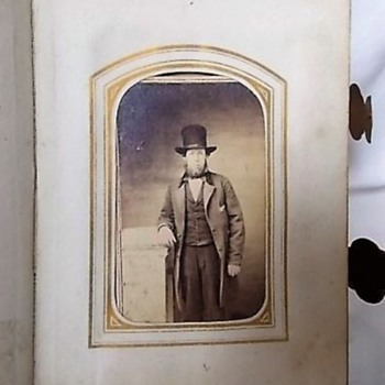 CDV  FELLOW IN AN ABE LINCOLN -LIKE TOP HAT
