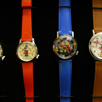 Four Bradley Mickey Mouse & Minnie Mouse Nodders - Wristwatches