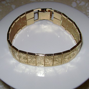 Sarah Coventry Bracelet - Costume Jewelry