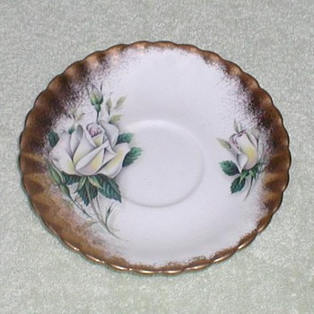 &quot;Royal Albert&quot; Yellow Roses cup saucer - China and Dinnerware