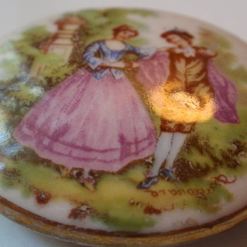 Hand painted Fragonard Brooch - Fine Jewelry