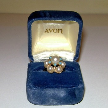 Avon Ring - Lustre - Costume Jewelry