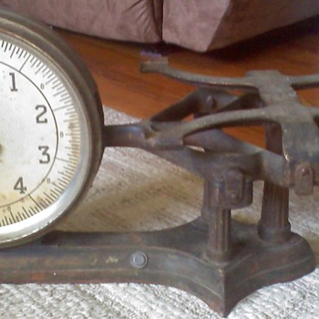 Antique J & S (John Chatillion & Sons) Grocery Scale