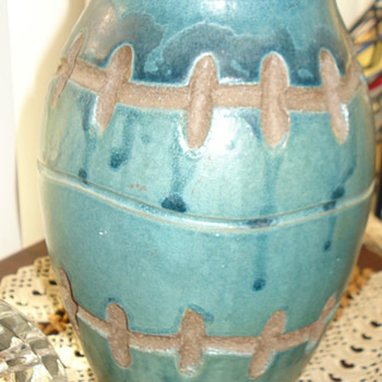 This hard to Identified but I am grateful for all the Help. Thank you!! - Art Pottery