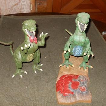 Aurora Prehistoric Scenes Alosaurus Kits