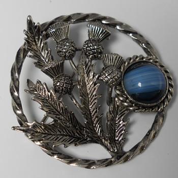 "Vintage Exquisite Brooch,""UK"", Circa 20 Century - Costume Jewelry"