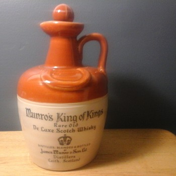 MUNRO'S KING OF KINGS SCOTCH FLAGON