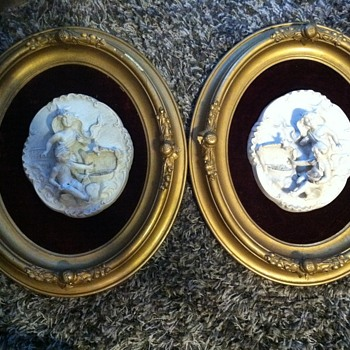 Victorian Oval Picture Frames with Felt and Ceramic 3d Picture - Pottery