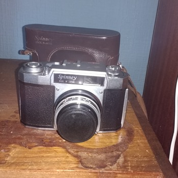 Spinney 35mm film camera vintage retro era with original leather case, made in Japan.