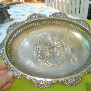 Repousse bread basket silver plated - Sterling Silver