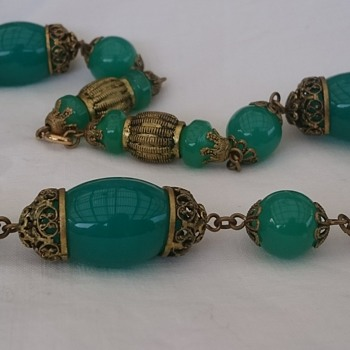 Art deco Czech glass necklace - Costume Jewelry