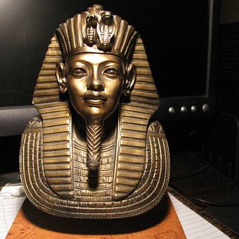 Egypt Statue