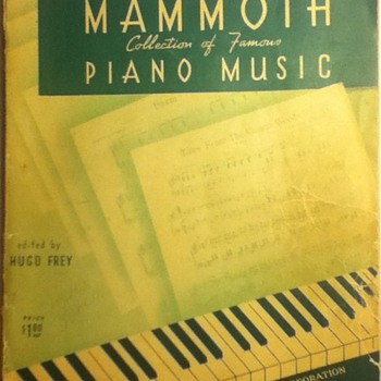 Robbins Mammoth Collection of Famous Piano Music - Music