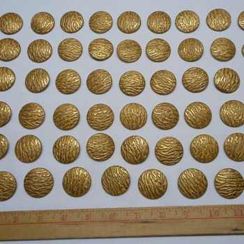 53 piece set of beautiful vintage gold buttons  with no markings