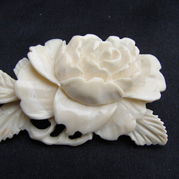 Beautiful Rose Ivory Pin Brooch - Fine Jewelry