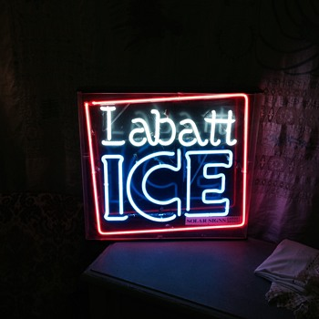 Vintage Brains Labatt Ice Neon and Guiness light up sign