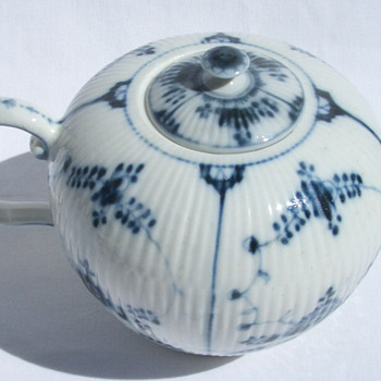 Blue White Porcelain Teapot Blue Underglaze Lion Rampant Mark - China and Dinnerware