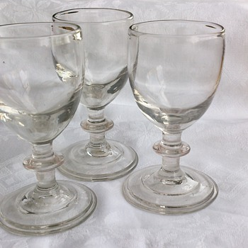 Antique mid or late 18th century glasses - Glassware