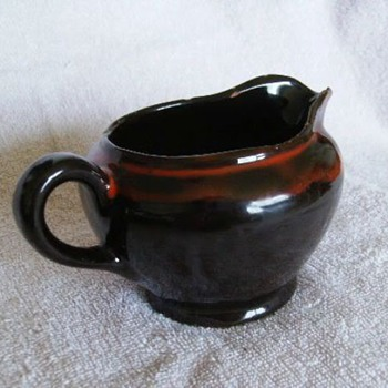ROYAL CANADIAN ART POTTERY ( RCAP ) -- Creamer - Art Pottery