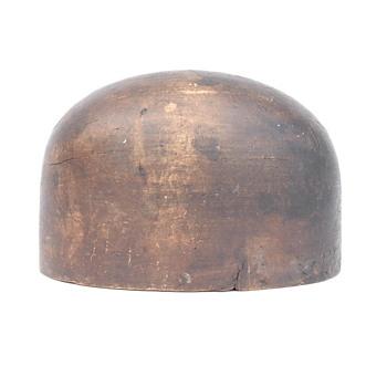 forme à chapeaux en bois vers 1930