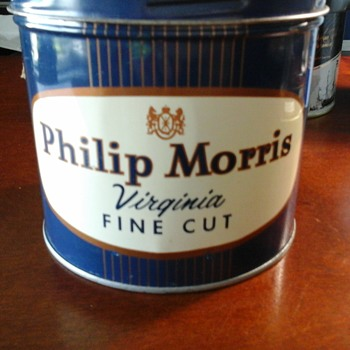 Phillip Morris tin