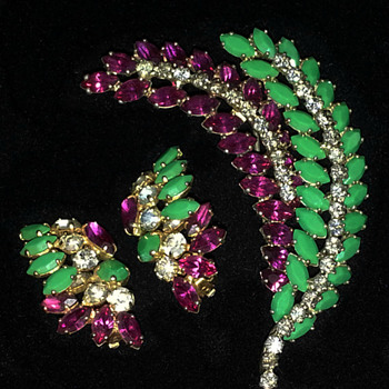 Sherman Rare Brooch and Earring set, Multicolour Stones, Book Piece - Art Deco