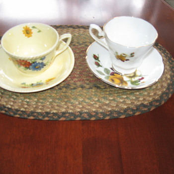 Vintage Tea Cups................. - China and Dinnerware