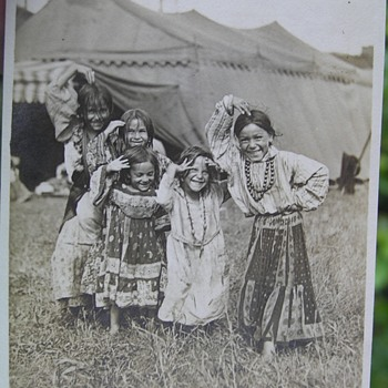 Old picture of Gypsy girls - Photographs