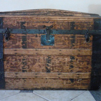chest trunk - Furniture