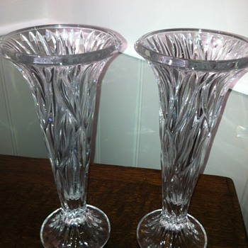Today's find: Two Crystal or Glass Vases - £ 2.00 the pair - Glassware