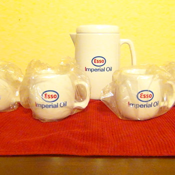 Esso Imperial Oil Coffee set