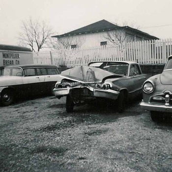 Wreck photos - Classic Cars