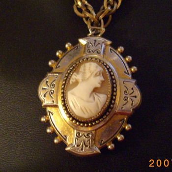 Antique Cameo Locket - Costume Jewelry