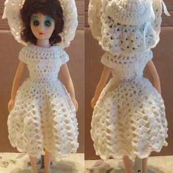 "ADMIRATION TOY ""87"" Clone Dolls in Crochet Dresses"