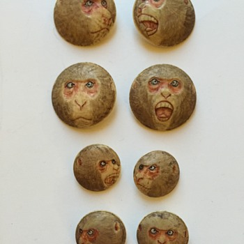 Antique Japanese Ivory Monkey Face Buttons ???