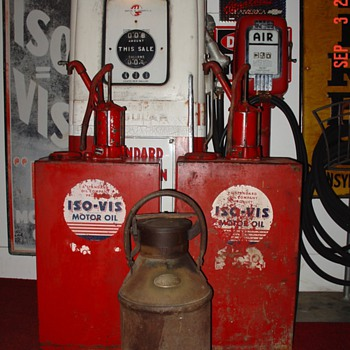 Original ISO-VIS Standard Oil Lubesters By Bennett and Standard Oil Of Indiana 5 Gallon Oil Can