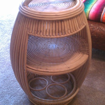 Wicker carrier/barrel - Furniture