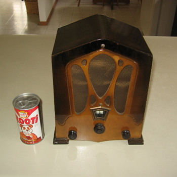 1930's Jackson Bell Mini Tombstone Wood Tube Radio