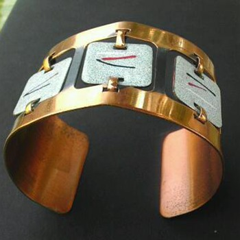 Mod copper cuff bracelet - Costume Jewelry