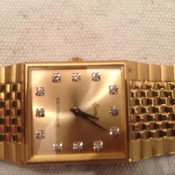 Wittnauer Quartz gold and diamond watch. - Wristwatches