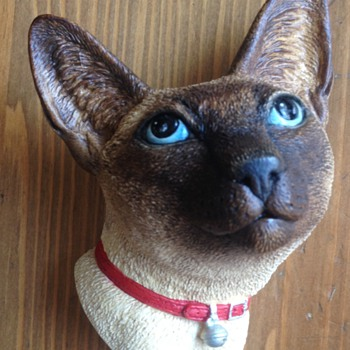 Bossons Rare Siamese Cat Figure