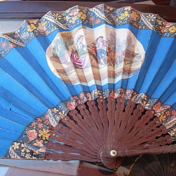 Striking royal blue fan