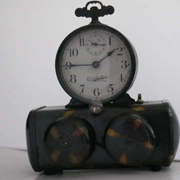 Darche Manufacturing Co. &quot;Searchlight&quot;  - Clocks