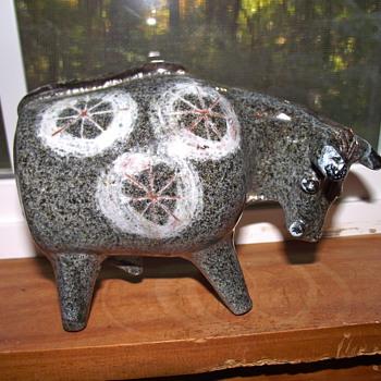 Alfaraz Spanish Ceramic Bull. Mid-Century Modern Art Pottery. - Art Pottery
