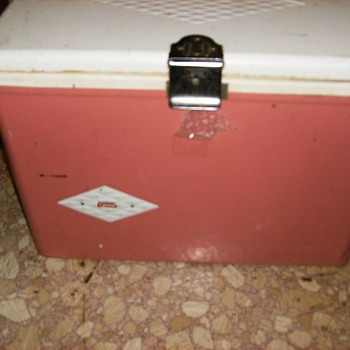 60s salmon pink diamond vintage cooler