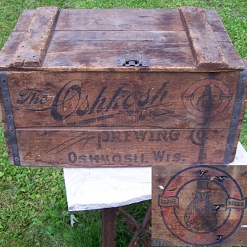 Antique Pre prohibition Oshkosh Brewing Co. Wooden Beer Crate - Advertising