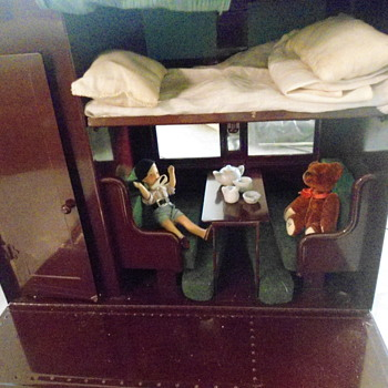 1930's Playskool Pullman Sleep Dolly Sleep Train Car - Railroadiana