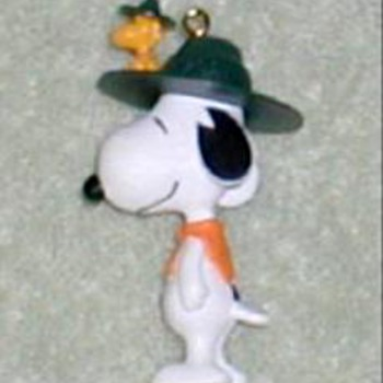 "2001 - Hallmark ""Snoopy"" Ornament - Christmas"