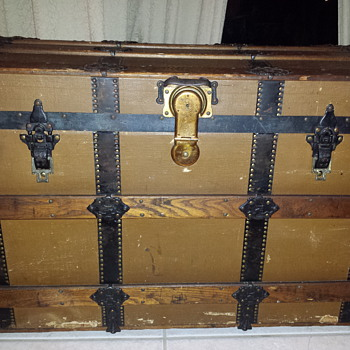1878 Martin Maier Trunk question about restoring. - Furniture