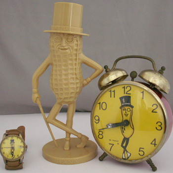 Mr. Peanut - Clocks